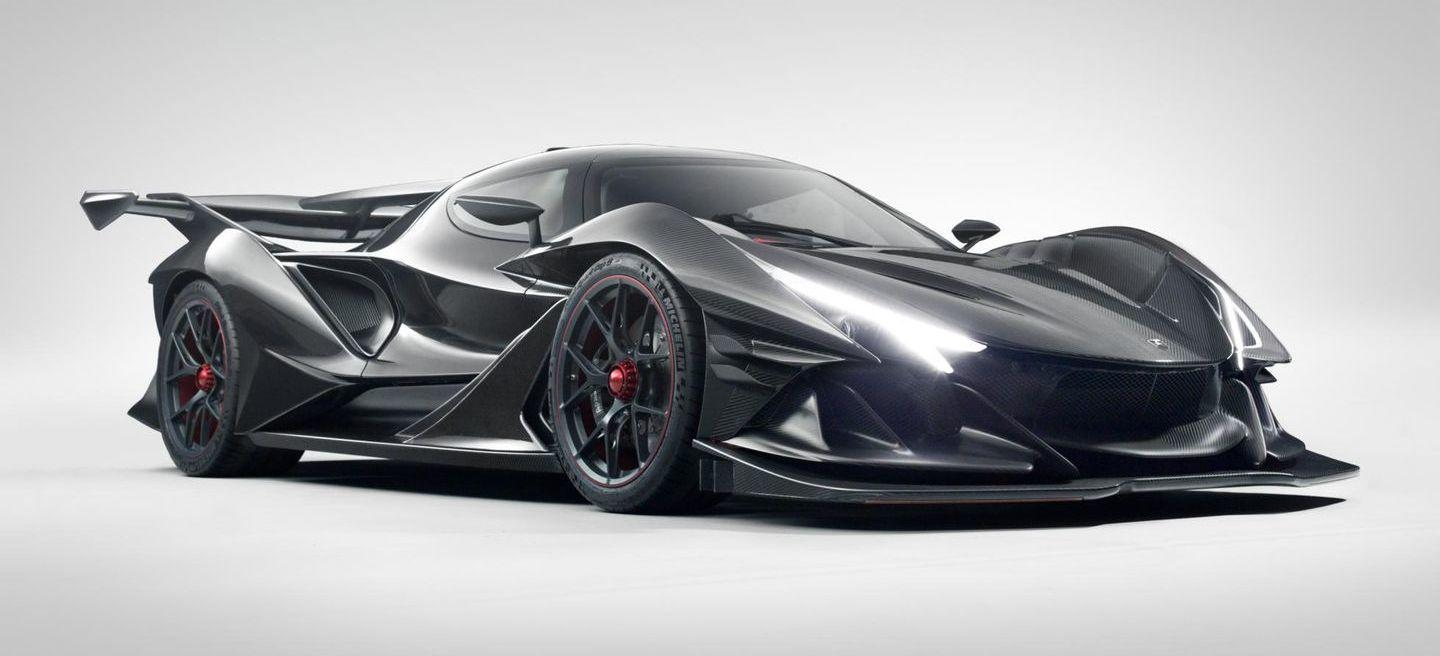 The Apollo IE is the obsession for dynamic purity and detail, materialized in a 780 hp and 2.3 million euro customer-racing