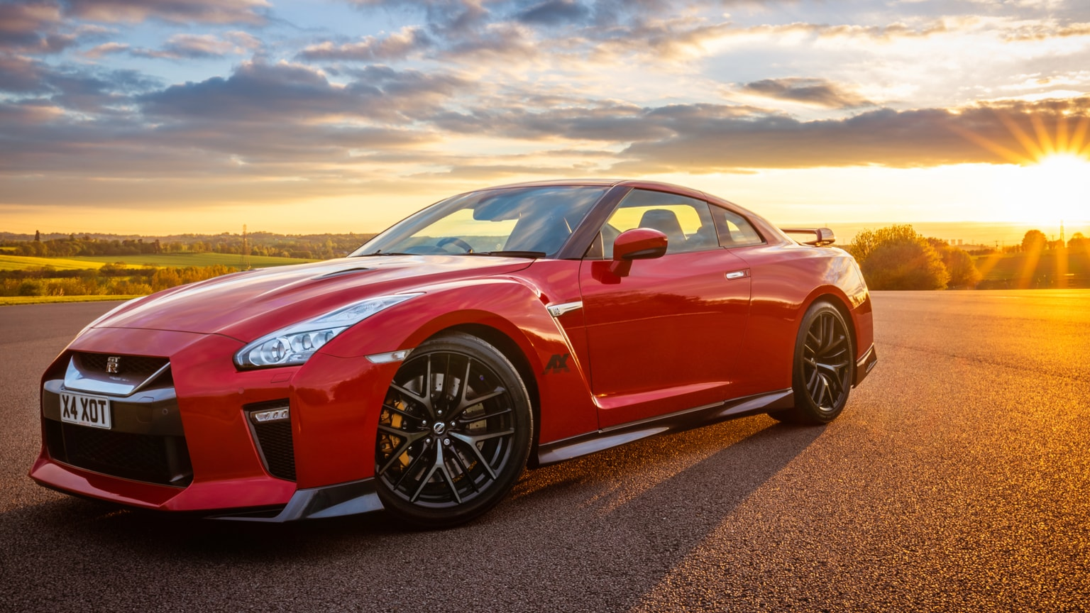 Hire A Nissan GTR In UK